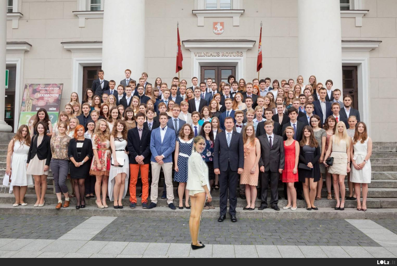 Lietuvos laukia šviesi subinė, tfu ateitis